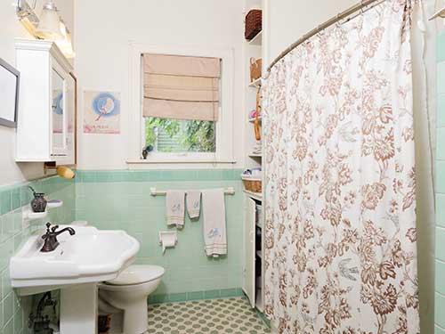 10-Bathroom-II