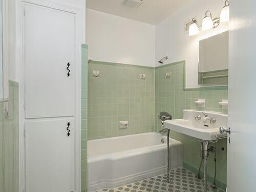 10-Vintage-Bath