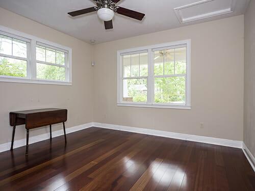 11-Front-bedroom