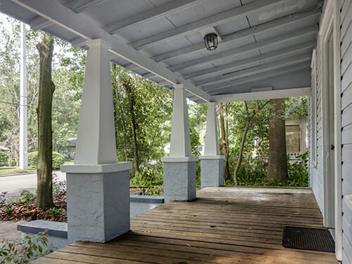 13-Large-Front-Porch