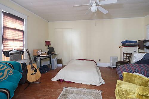 14-AptB-Bedroom