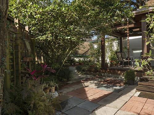 18-Courtyard