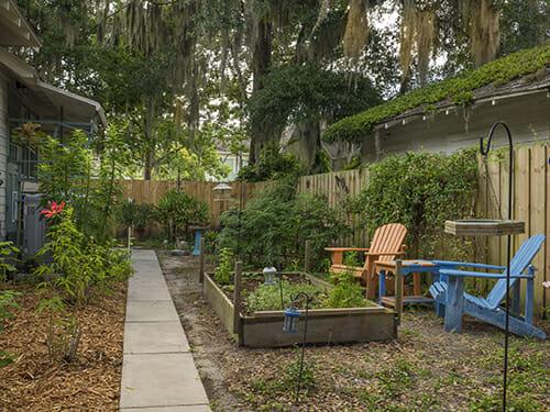 18-Exterior-South-Garden