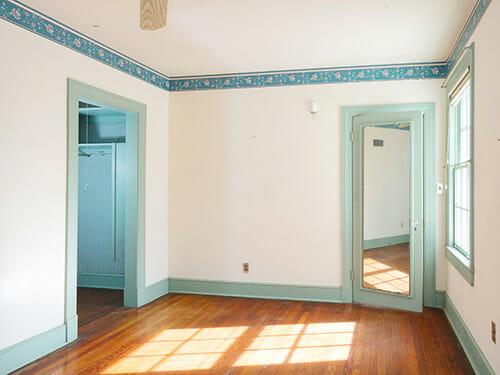 20-Bedroom-Closet