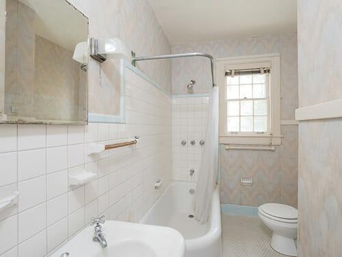 22-Hall-Bath