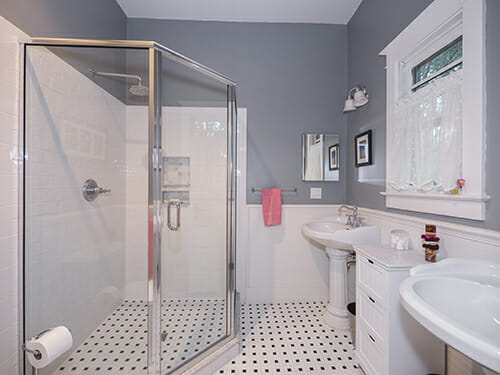 9-Master-Bathroom